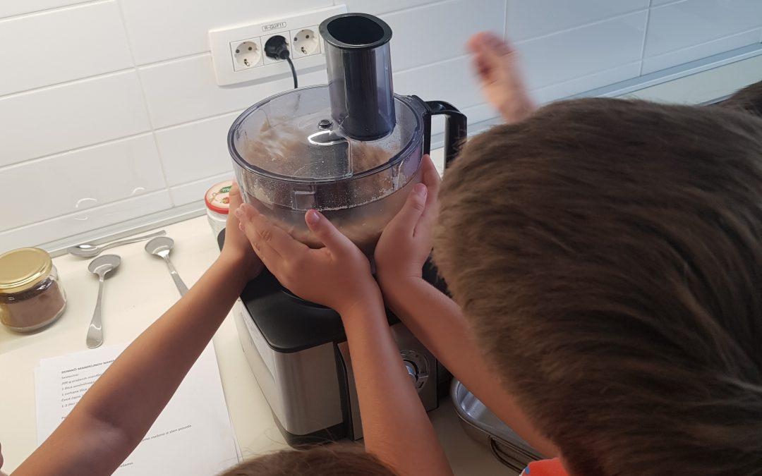 Eko krožek na obisku v gospodinjski učilnici